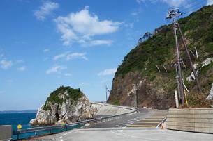 白崎海岸と県道24号 白崎海洋公園付近の写真素材 [FYI01805521]