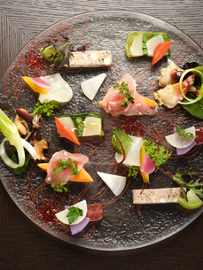 洋食 前菜盛り合わせの写真素材 [FYI01805723]