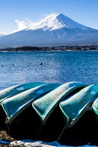 西湖からみた富士山の写真素材 [FYI01805926]
