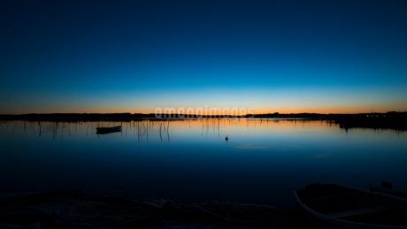 印旛沼の夜明けの写真素材 [FYI01805973]