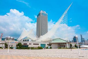 メリケンパークと神戸海洋博物館の写真素材 [FYI01805997]