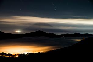大観山からの富士山夜景の写真素材 [FYI01806049]