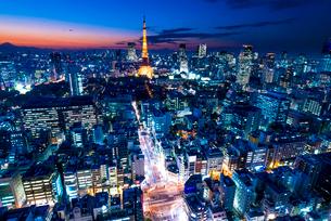 東京タワーのある夜景の写真素材 [FYI01806075]