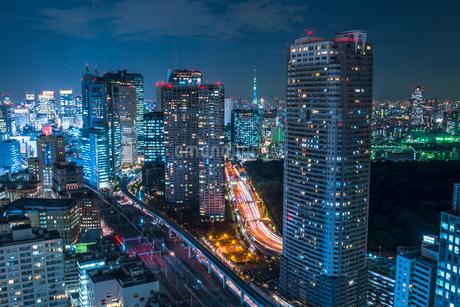 東京スカイツリーのある夜景の写真素材 [FYI01806168]
