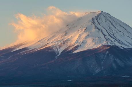 河口湖からみた富士山の写真素材 [FYI01806412]