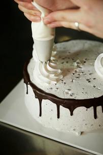 ケーキ作りの写真素材 [FYI01807721]