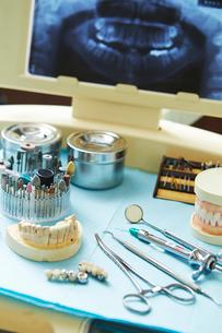 歯科治療の写真素材 [FYI01808419]