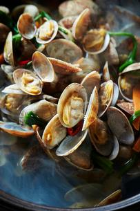 貝の鍋の写真素材 [FYI01808688]