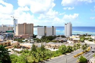 グアム島タモンの繁華街の写真素材 [FYI01809376]