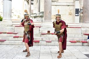 ディオクレティアヌス宮殿のパフォーマーの写真素材 [FYI01809418]