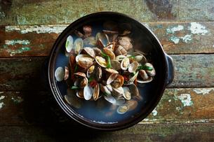 貝の鍋の写真素材 [FYI01809480]