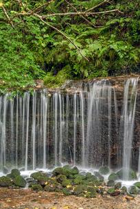 長野県 軽井沢町 白糸の滝の写真素材 [FYI01810553]