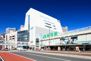 新宿駅南口の写真素材 [FYI01810637]