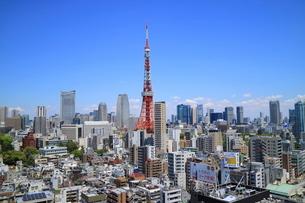 麻布十番からの東京タワーの写真素材 [FYI01811257]