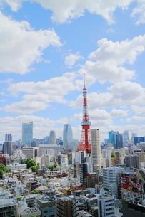 青空と東京タワーの写真素材 [FYI01811430]