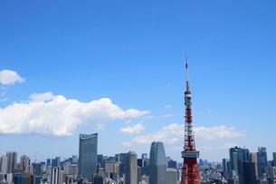 麻布十番から見える東京タワー方面の眺望の写真素材 [FYI01811445]