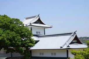 金沢城公園の白屋根の写真素材 [FYI01811467]