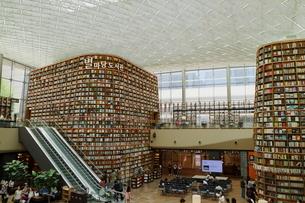 ソウルショッピング図書館の写真素材 [FYI01811504]