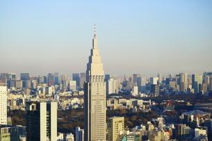 NTTドコモ代々木ビルと高層ビル群の写真素材 [FYI01811640]
