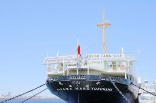 横浜港の氷川丸の写真素材 [FYI01811663]