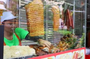 タイ・バンコクのチキンまぜ麺屋の写真素材 [FYI01811761]