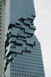 タイ・バンコクのマハナコーンタワーの写真素材 [FYI01811772]