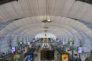 タイ・バンコクのスワンナプーム国際空港の搭乗ゲートの写真素材 [FYI01811882]