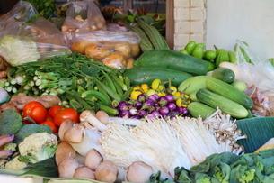 タイ・バンコクの野菜ときのこの写真素材 [FYI01811970]