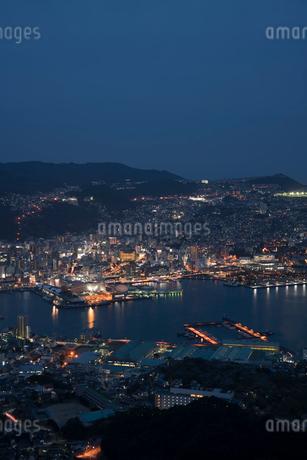 稲佐山から見る長崎の夜景の写真素材 [FYI01812065]