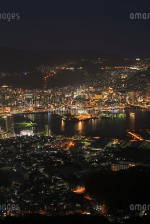 稲佐山から見る長崎の夜景の写真素材 [FYI01812173]