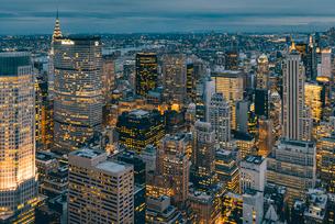 ニューヨーク・トップオブザ・ロックからの夜景の写真素材 [FYI01812559]