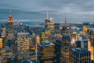 ニューヨーク・トップオブザ・ロックからの夜景の写真素材 [FYI01812648]