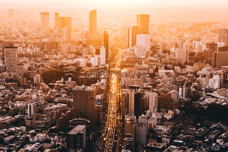 夕暮れの東京都心の風景の写真素材 [FYI01812756]