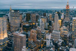 ニューヨーク・トップオブザ・ロックからの夜景の写真素材 [FYI01812876]