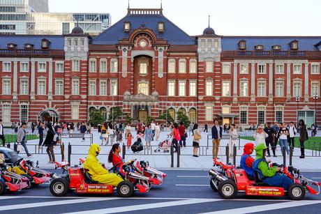 東京駅とマリオカートの写真素材 [FYI01813132]