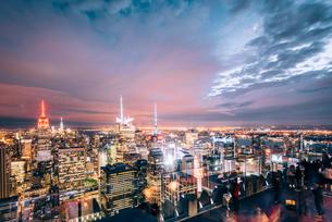 ニューヨーク・トップオブザ・ロックからの夜景の写真素材 [FYI01813240]