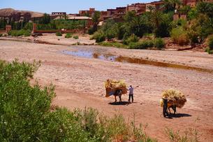 モロッコ アイトベンハッドウ 世界遺産の写真素材 [FYI01813576]