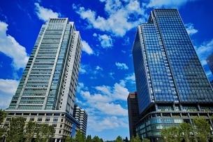 丸ビルと新丸ビルの写真素材 [FYI01813579]