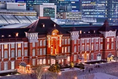 新丸ビルより望む東京駅夜景の写真素材 [FYI01814105]