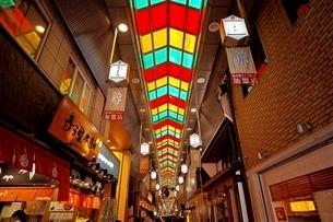 大晦日の錦市場の写真素材 [FYI01815046]