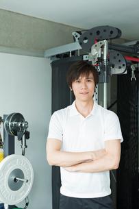男性インストラクターのポートレイトの写真素材 [FYI01815173]