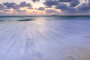 沖縄県 宮古島 池間島 波のイメージの写真素材 [FYI01816326]