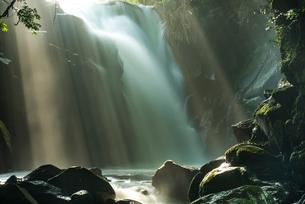 夫婦滝の写真素材 [FYI01816335]