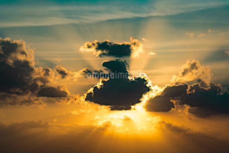 沖縄県 宮古島 池間島 日の出の写真素材 [FYI01816443]