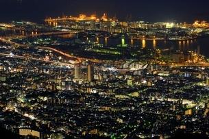 六甲山より望む神戸市街夜景の写真素材 [FYI01816623]