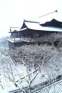 清水寺 雪景色の写真素材 [FYI01816838]
