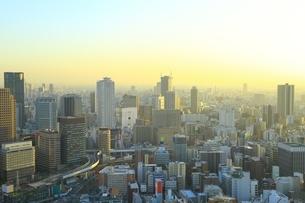 大阪・梅田のビル群夕景の写真素材 [FYI01817001]