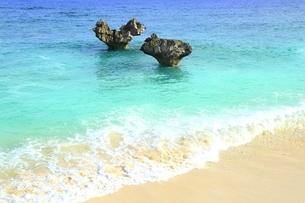 ティーヌ浜の海の写真素材 [FYI01817177]