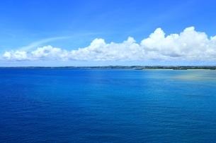 宮古島の青い海の写真素材 [FYI01817356]