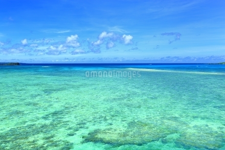 宮古ブルーの海の写真素材 [FYI01817409]